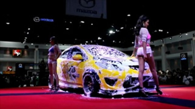 Sexy Car Wash กับสาว FHM GND ในงาน Bangkok Auto Salon 2016
