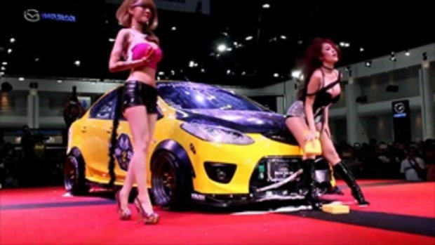Nikky พริตตี้เงินล้าน  ในงาน Sexy Car Wash Auto Salon 2016