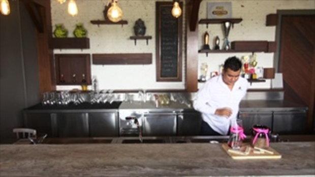 รวมฮิต กระบี่มือหนึ่ง : อาชีพธรรมดาแต่ลีลาเหนือชั้น   Bartender ลีลาเหนือชั้น