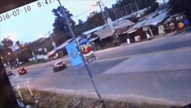 ภาพวงจรปิดจับภาพรถคนร้าย อ้างเป็นทหาร ปล้นบ้านเศรษฐีสุรินทร์