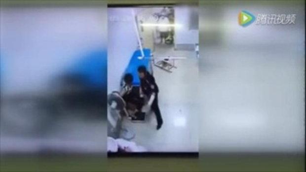 คลิป คนเมาต่อยกับหมอ ในโรงพยาบาล