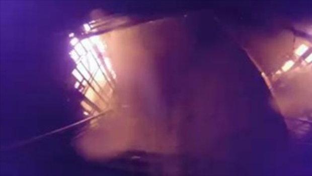คลิปเหตุเพลิงไหม้ ห้างเมเจอร์ ปิ่นเกล้า ลุกไหม้ชั้นโรงหนังทั้งชั้น 28/7/59