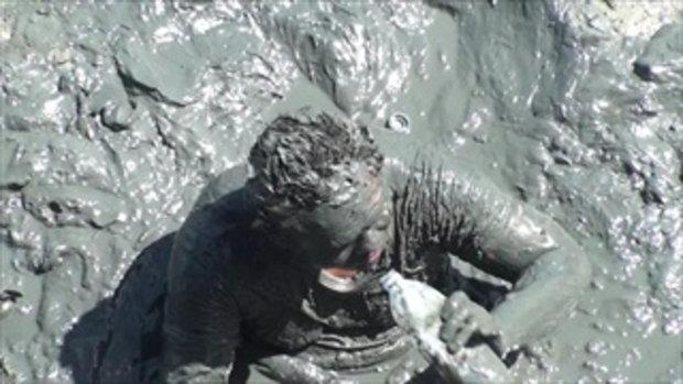หนุ่มเมาร่วงจมโคลนทะเล 8 ชั่วโมง เกือบเอาตัวไม่รอด