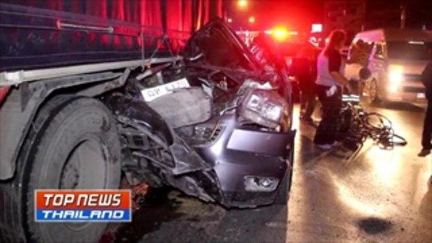 หนุ่มวัย 26 ปี ซิ่งรถกระบะแต่งอัดท้ายรถสิบล้อ ขณะจอดรอยูเทิร์น