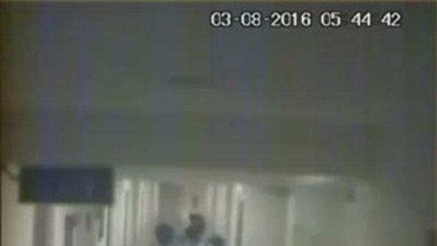 วงจรปิด 4 วัยรุ่นหิ้วสาว 19 เข้าห้องในโรงแรม