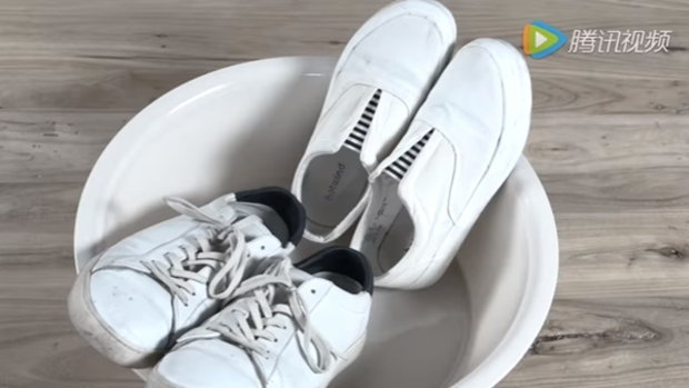 เคล็ดลับความสะอาด รองเท้ากลับมาขาวอีกครั้ง ไม่กลัวสกปรก