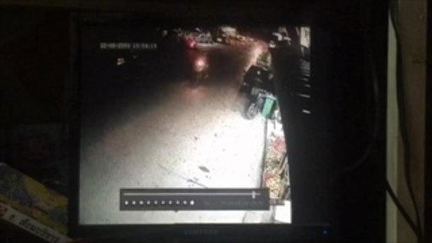 วงจรปิด หนุ่มเจ้าของรถจยย.กระโดดต่อยคนร้าย กำลังลักรถต่อหน้าต่อตา