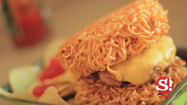 Sanook Good Stuff  - สูตรเบอร์เกอร์มาม่า