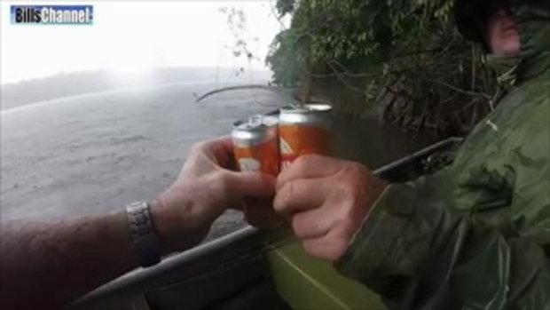 คนแห่ดูฝรั่งออกล่า ปลาช่อนยักษ์อเมซอน (นาที 3.40น.)