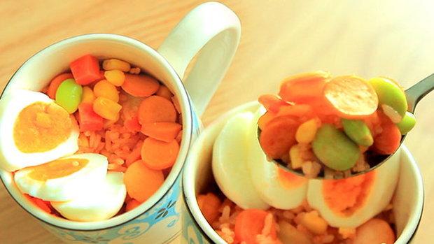 Sanook Good Stuff: ทำข้าวผัดอเมริกัน วัตถุดิบจากร้านสะดวกซื้อ