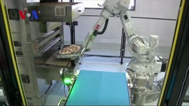 ร้านพิซซ่าสุดล้ำ! นำหุ่นยนต์ใช้ทำพิซซ่าแทนคน