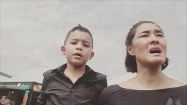 ภาพประทับใจ ลูกเกด-น้องสกาย ร้องเพลงสรรเสริญฯ ออกมาจากใจ