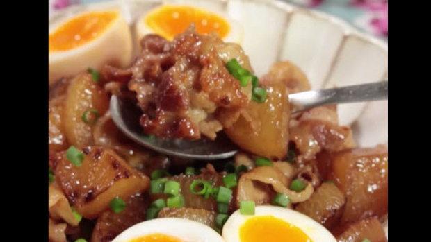 Pork Radish Sauté หัวไช้เท้าผัดหมูน้ำมันหอยพร้อมไข่ต้มยางมะตูม