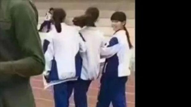 ครูพละจีนหล่อขั้นเทพ! จนนักเรียนหญิงไม่มีสมาธิเรียน