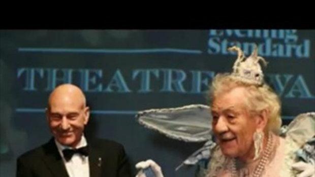 น่ารักปะ แฟชั่นชุดนางฟ้าของลุง เอียน แม็กเคลเลน ในงานประกาศรางวัล!