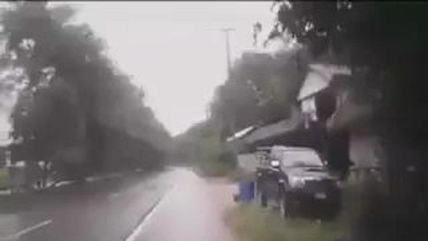 หวิดตาย ขับรถแบบนี้ระวังจะพาคนอื่นตาย!!
