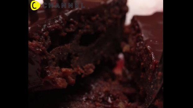 บราวนี่ช็อกโกแลตกานาซสูตรเข้มข้น (Ganache Brownie Cake)