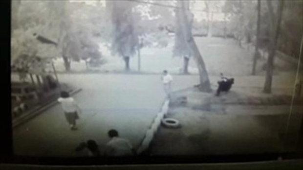 คลิปสลด นักเรียนวิ่งเล่น พลัดตกบ่อปูนลึก30 เมตร
