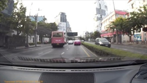 คลิปแฉ รถเมล์ 182 ปาดไม่ยั้ง ขับจองทุกเลน ไม่หวั่นแม้ผู้โดยสารเต็มคัน