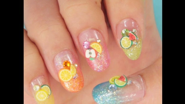 เล็บผลไม้สีสวยจี๊ด