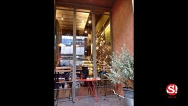 """เปลี่ยนบ้านเก่าอายุกว่า 50 ปี เป็น """"ท่าน้ำ คาเฟ่"""" ร้านกาแฟสุดชิลริมแม่น้ำบางปะกง"""