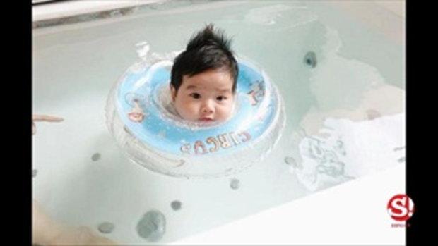 เนย โชติกา เผยภาพสุดน่ารัก เล่นน้ำในอ่างอาบน้ำกับลูกชาย