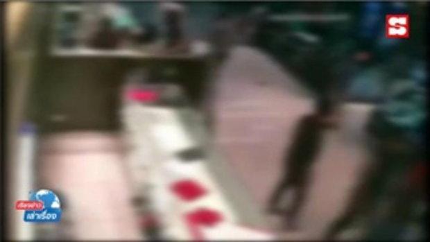 เรียงข่าวเล่าเรื่อง ตำรวจวิเคราะห์ปืนเก็บเสียง-รองเท้า โจรกราดยิงปล้นทอง ตั้งค่าหัวล่า 1 แสนบาท