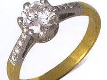 เหตุใด จึงต้องสวมแหวน ...