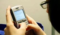 แชท-sms มากไป ระวังโรคนิ้วโป้งแบล็คเบอร์รี่