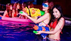 แจ่ม! กับสาวๆ ที่ท้าให้คุณเปียกใน Zoo Weekly พูลปาร์ตี้