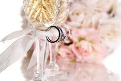 แหวนหมั้นเพชร และ แหวนเพชรแต่งงาน