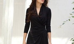 เลือกชุดเดรสสีดำอย่างไร ให้เหมาะกับรูปร่าง