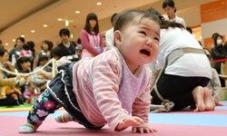 ญี่ปุ่นทำสติกเกอร์บอกคุณแม่ ไม่ต้องกลัวว่าจะรำคาญที่ลูกงอแง