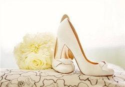 เคล็ด(ไม่)ลับการเลือกรองเท้าสำหรับเจ้าสาว