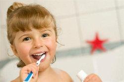 การแปรงฟันของลูก สิ่งที่พ่อแม่ควรเอาใจใส่อย่างใกล้ชิด