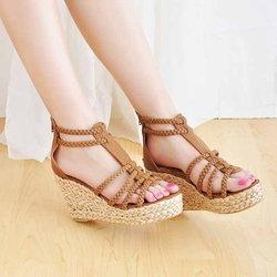 5 วิธีสวมรองเท้าส้นสูงให้สวยแบบถนอมเท้าไปพร้อมกัน