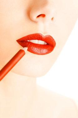 วิธีทาลิปสติกให้ติดทนนานตลอดวัน ทำตามนี้...ปากสวยเป๊ะแน่!