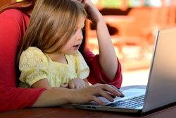 พ่อแม่ยุคใหม่ควรรู้! การสอนให้ลูกรู้ทันเทคโนโลยี ใช้สื่ออย่างถูกหลัก
