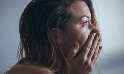 """5 ประโยชน์ที่คาดไม่ถึงจากการ """"เสียน้ำตา"""""""