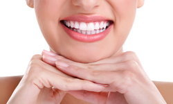 ออยล์พูลลิ่งกับ 5 ข้อดี ตัวช่วยดูแลสุขภาพช่องปากได้อย่างมั่นใจ