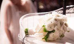 ประวัติศาสตร์ของช่อดอกไม้: เหตุผลที่เจ้าสาวต้องถือช่อดอกไม้เข้าพิธีแต่งงาน