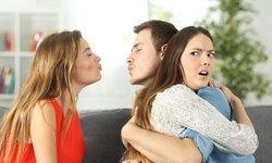 7 สัญญาณที่สาวๆ ต้องเริ่มคิดมาก หากเพื่อนผู้หญิงของแฟนเรามีท่าทีแบบนี้