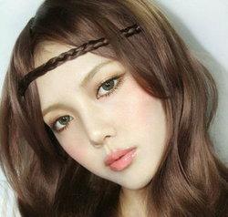 แต่งหน้าสวยหวานเบาๆ โทนชมพู - ทอง