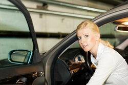13 เทคนิคการป้องกันตัวเองเมื่อจอดรถ