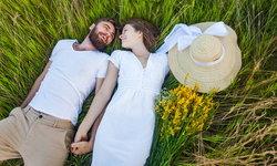 9 สิ่งที่ คู่รัก ที่มีความสุขเท่านั้นถึงจะทำด้วยกันในวันหยุด!