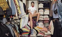 ภาพถ่ายที่อพาร์ทเมนท์ของ 'เคนดัล เจนเนอร์' กับรองเท้า Adidas รุ่น Arkyn ล่าสุด