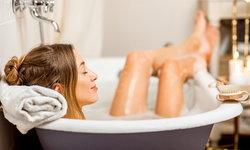 เพิ่มความฟินในช่วงเวลาอาบน้ำของสาวๆ ด้วยไอเทมรอบตัว