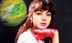"""""""ลิซ่า ลลิษา"""" วง BLACKPINK สาวไทยคนแรกที่ได้ขึ้นปกนิตยสาร NYLON ประเทศญี่ปุ่น"""