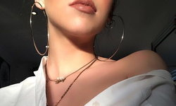 Hoop Earrings ต่างหูห่วงใหญ่สุดคลาสสิค ตัวช่วยเพิ่มความแซ่บให้กับใบหน้า