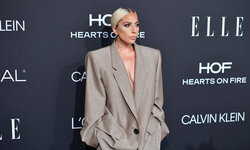 """""""เลดี้ กาก้า"""" กับชุดสูทโอเวอร์ไซส์ที่มีความหมายลึกซึ้งที่งาน Women In Hollywood"""